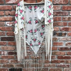 Embroidered fringe floral kimono style shall